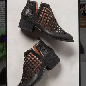 Jeffrey Campbell taggart bootie black leather